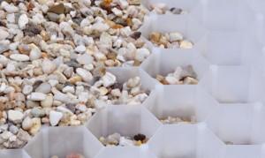Gravelfix-soluzione-drenante-e-duratura-per-stabilizzare-ciottoli-e-granulati-di-Granulati-Zandobbio